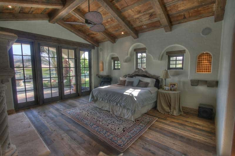 109661 - Lake House Reclaimed Beams - Indio