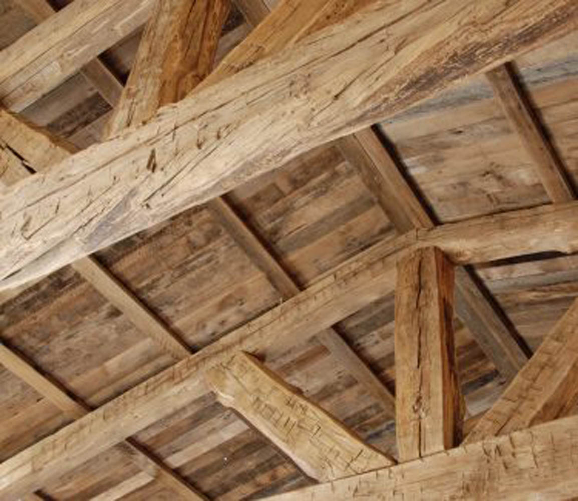 26020ceiling20detail 1 375x325 - Truss Fabrication