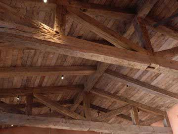 DSC 0011 1 1024x681 - Reclaimed Faux Beams vs. Solid Beams - Which ones are right for your job?