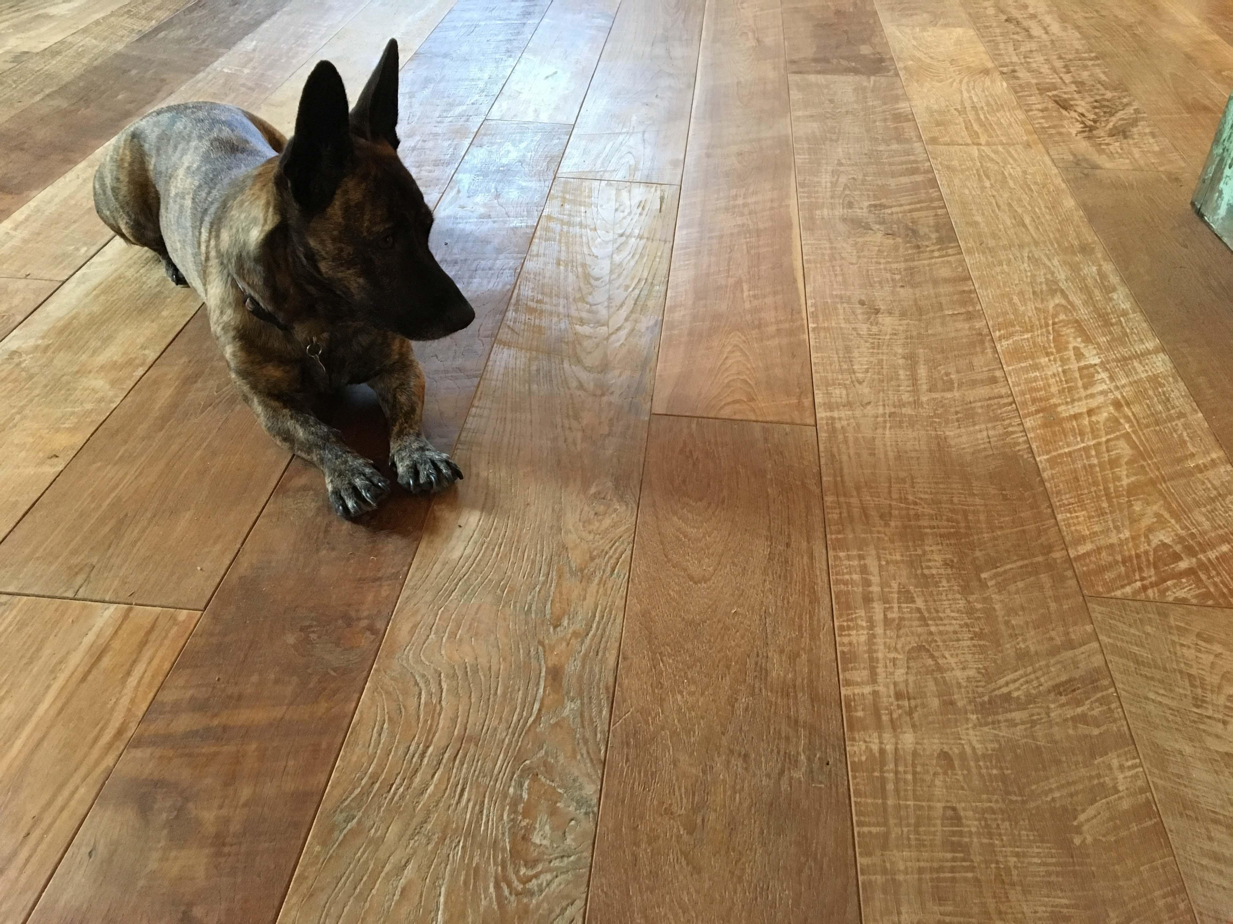 classico patina showroom2 - Reclaimed Teak Flooring