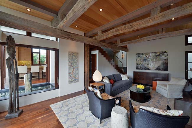 edge hardwood beams09 - Reclaimed Hardwood Barn Timbers
