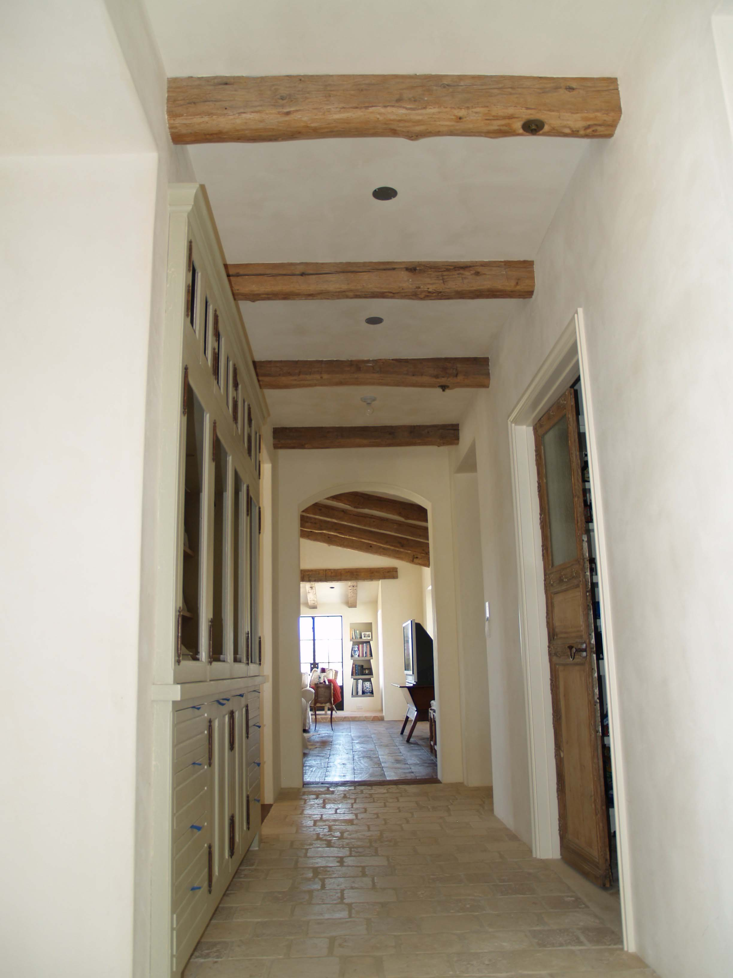 edge hardwood beams14 - Reclaimed Hardwood Barn Timbers