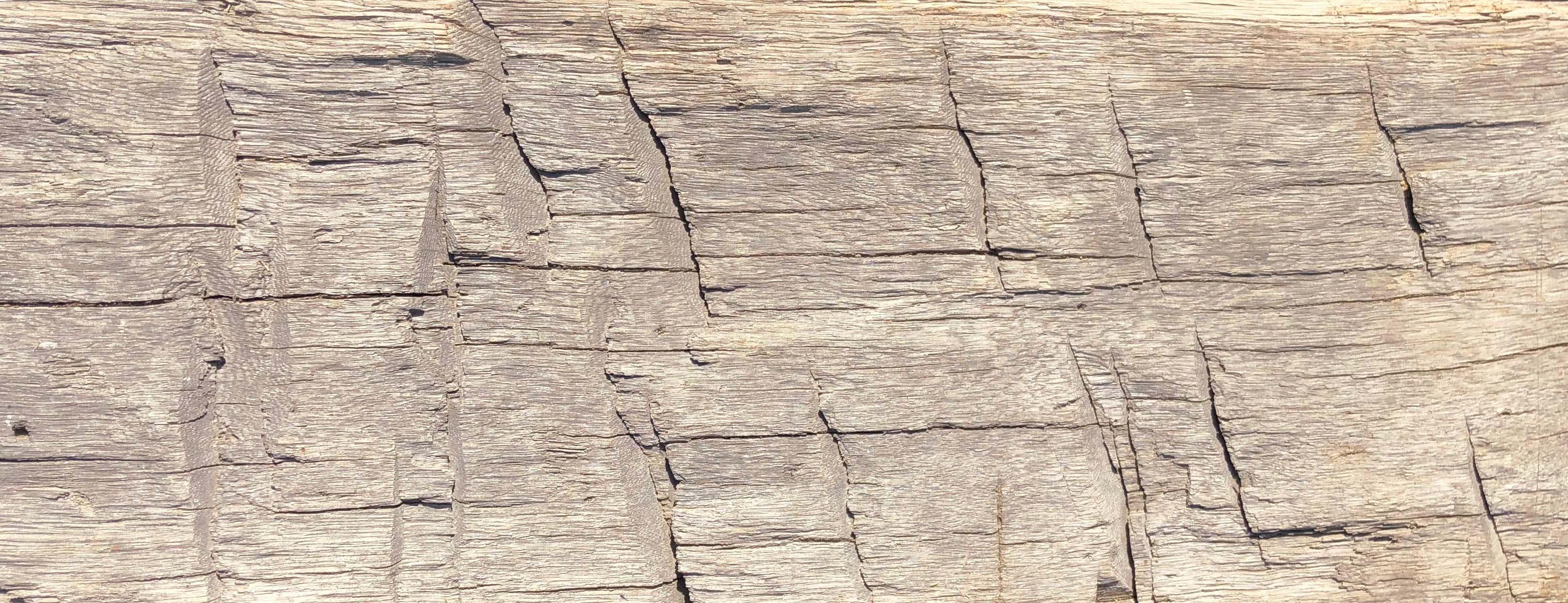 hewn hardwood beams04 - Reclaimed Hardwood Barn Timbers