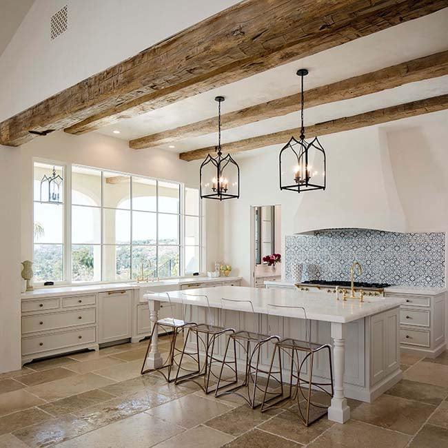 hewn hardwood beams22 - Reclaimed Hardwood Barn Timbers