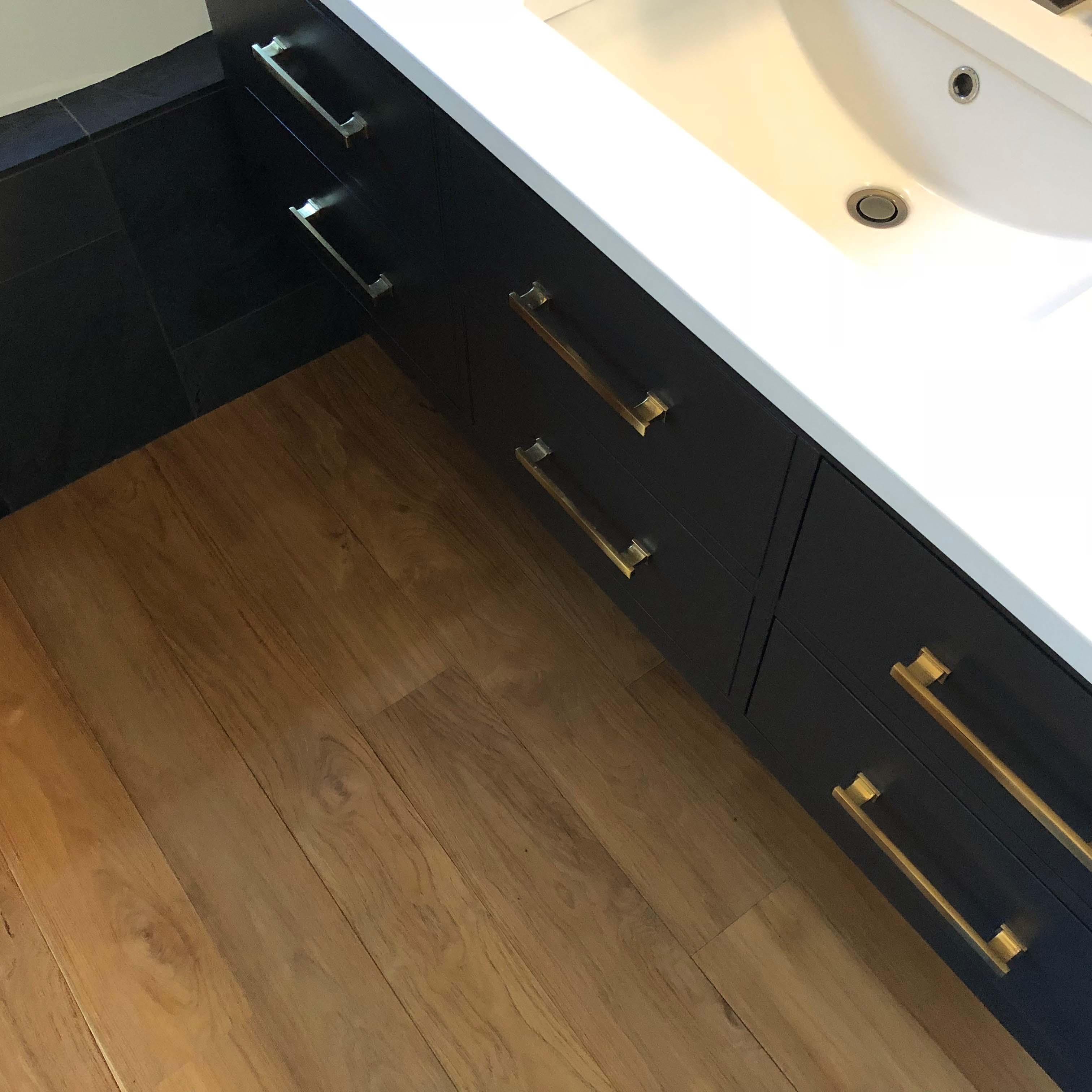 wire brushed athroom flooring - Reclaimed Teak Flooring
